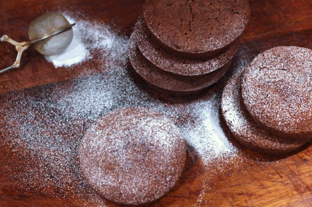 flourlesschocolatecakes3