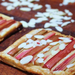Rhubarb, almond & amarettotarts