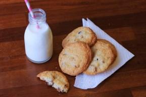 Chewy coconut & datecookies