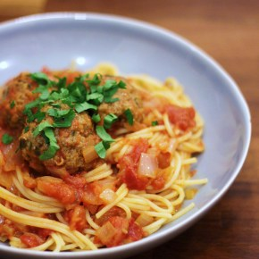 Ultimate meatballs in tomato sauce