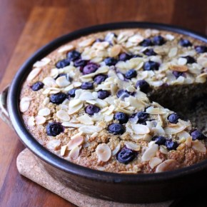 Heart-healthy blueberry & almond baked oatmeal