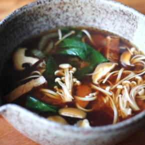 Japanese supper: Miso soup with soba noodles, mushrooms & flash-fried beef